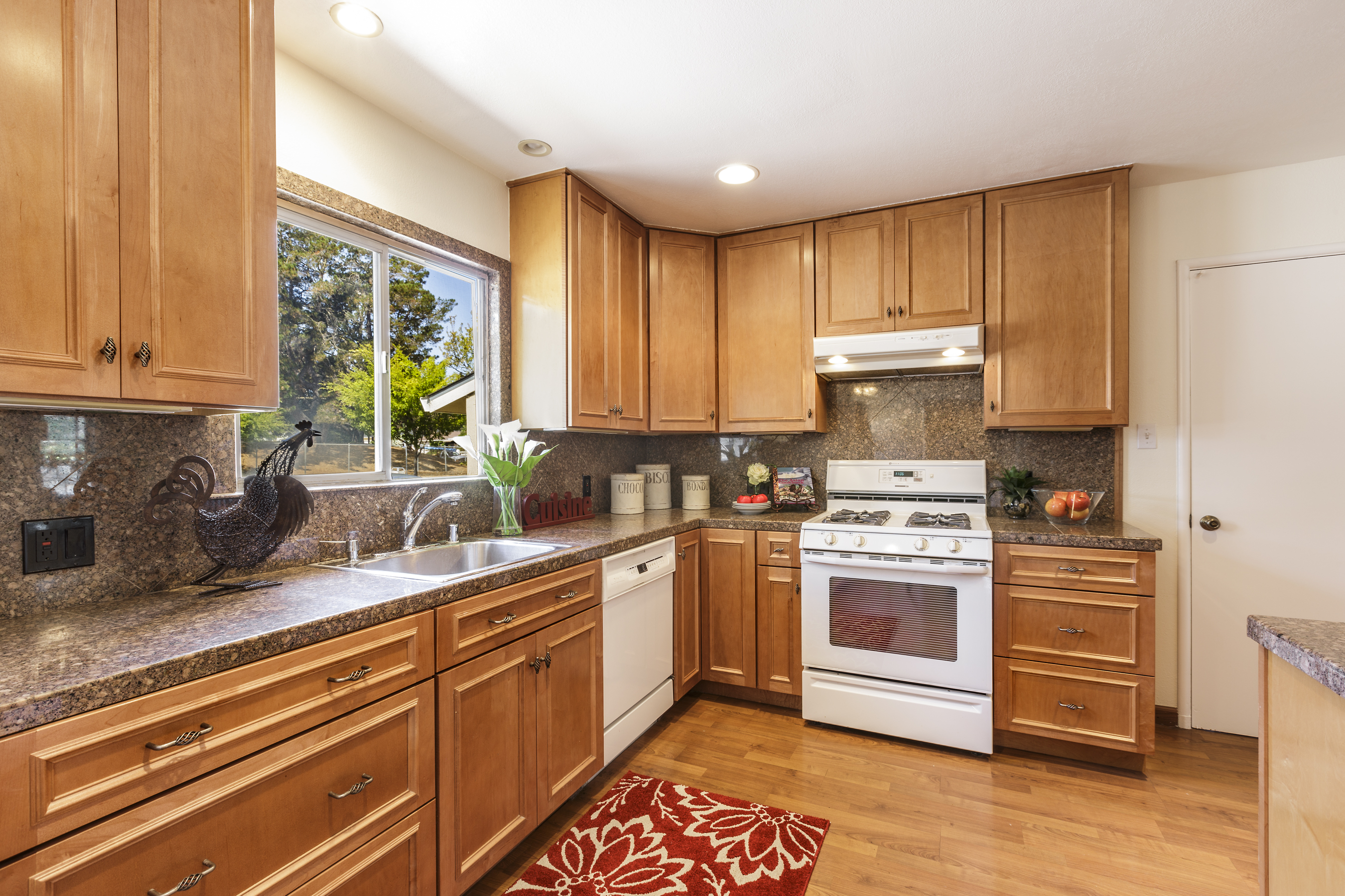 12-3115AlamedaDeLasPulgas-kitchen-high-res