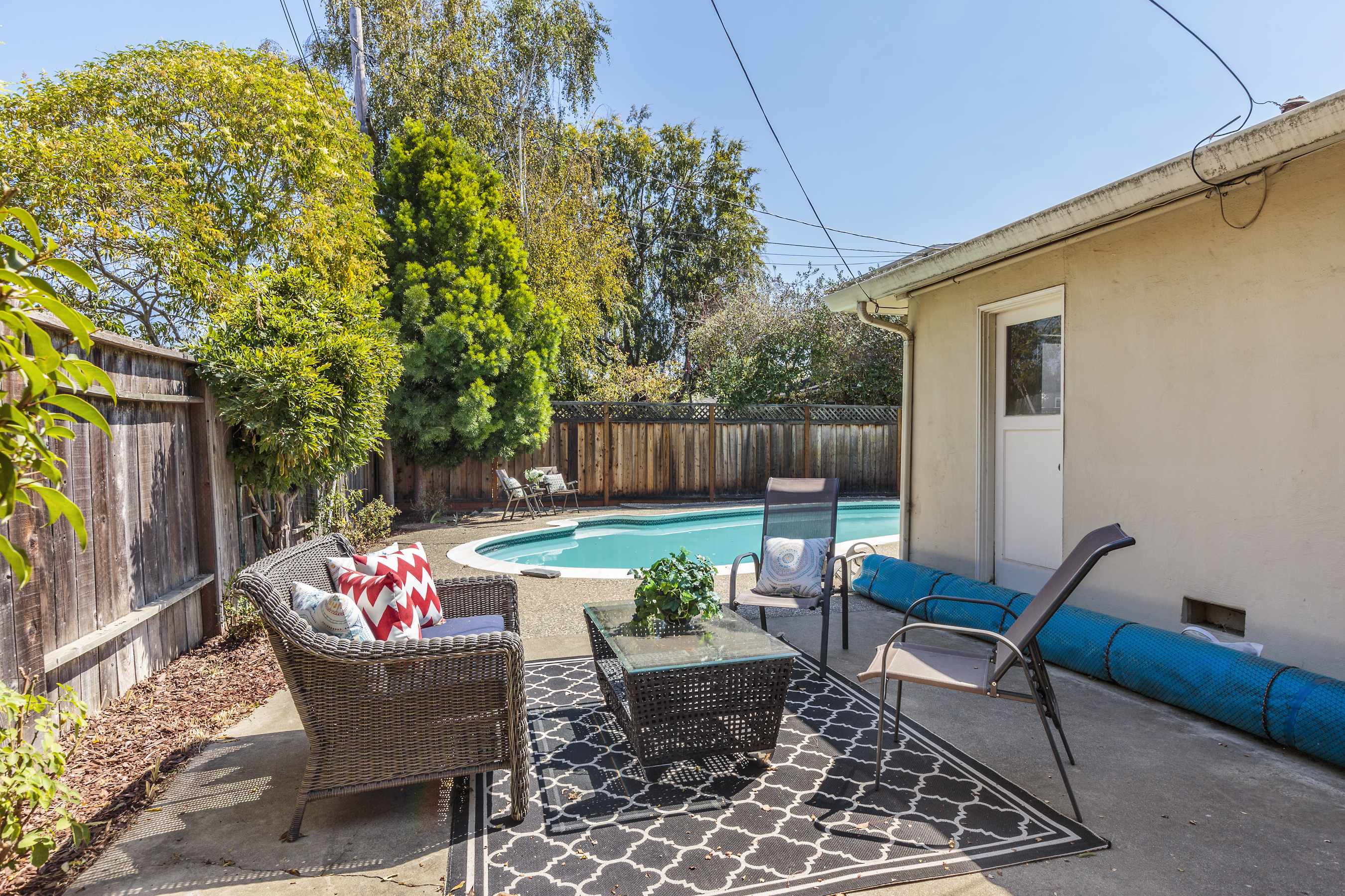 22-3115AlamedaDeLasPulgas-patio-high-res