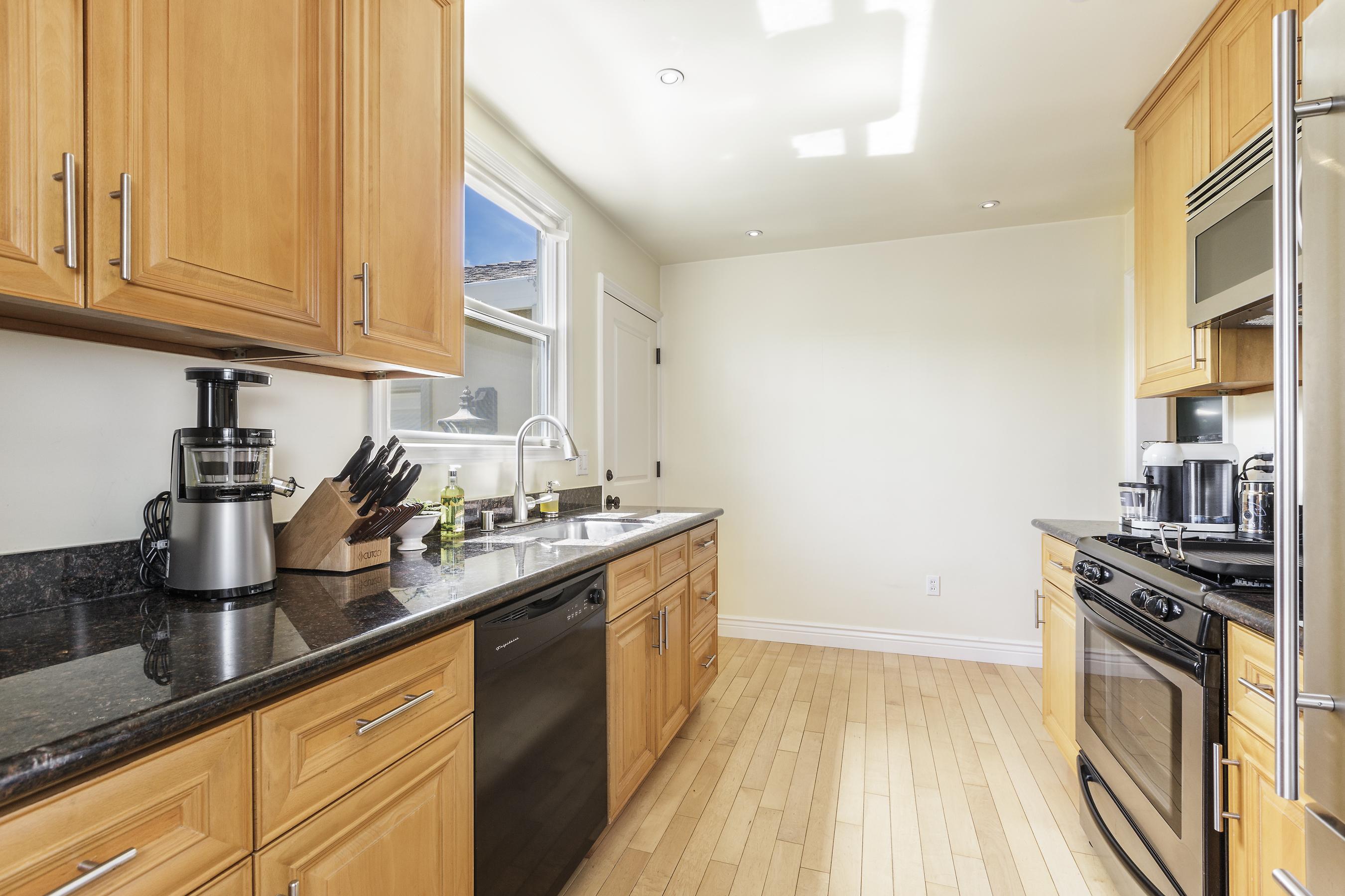 08-123-B-st-kitchen-high-res