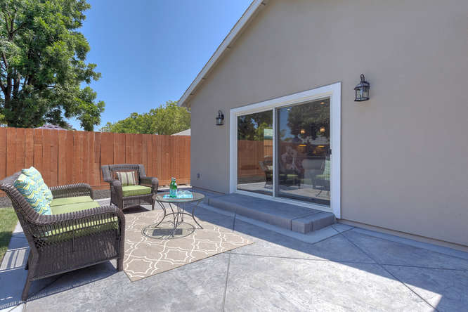 315 E St Redwood City CA 94063-small-024-25-Patio2-666x444-72dpi