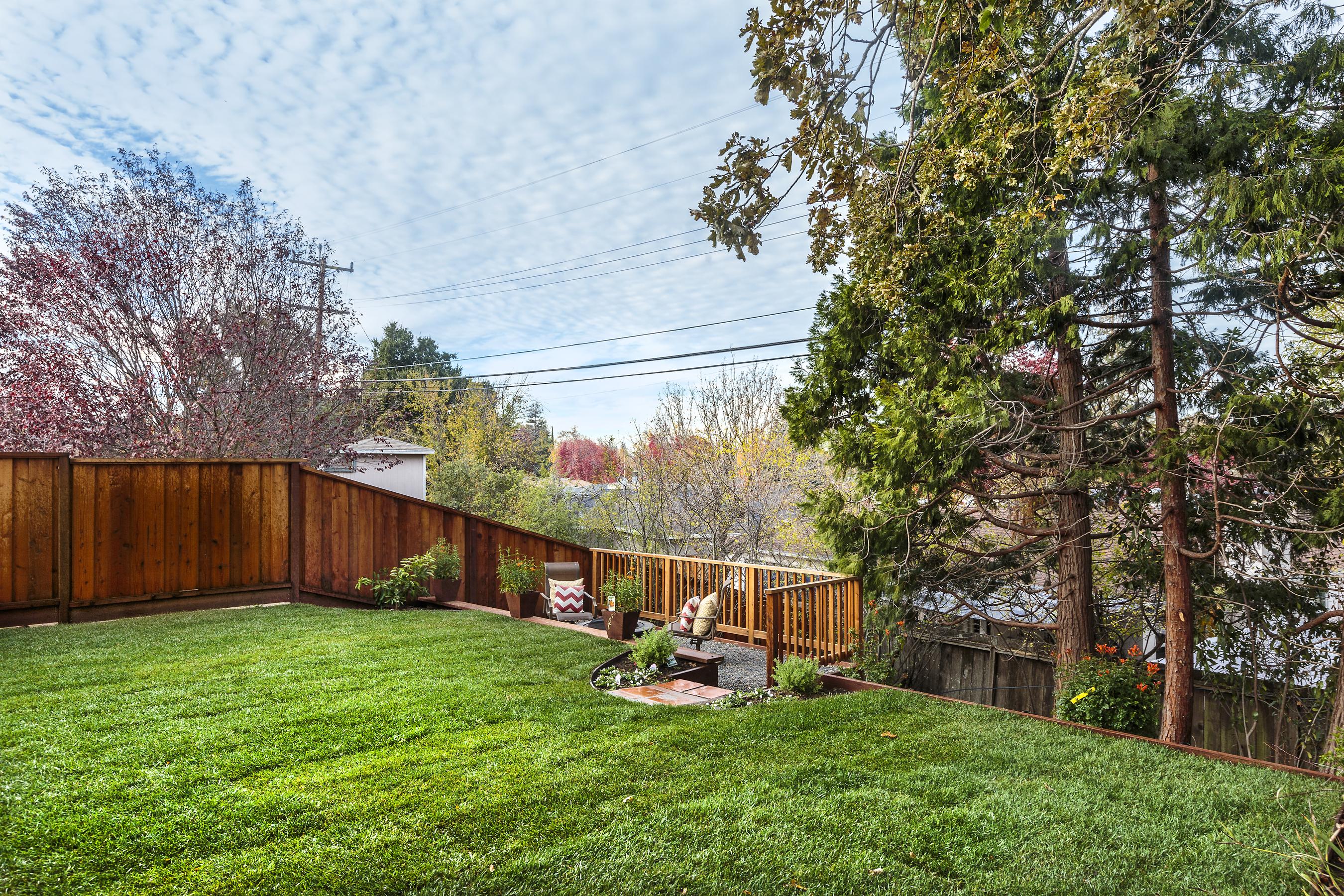 17-1771Maryland-backyard-high-res