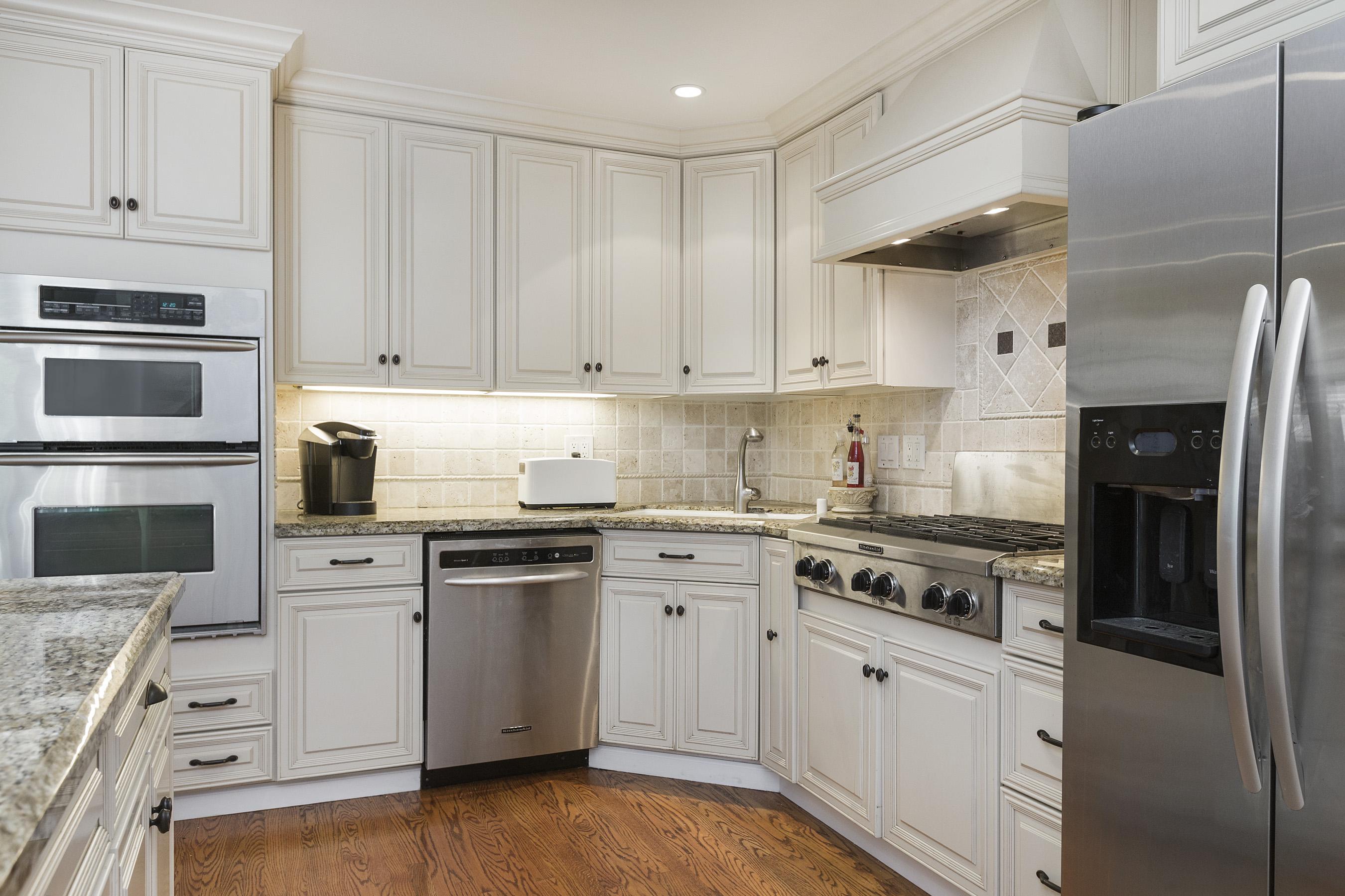 13-2704Roosevelt-kitchen-high-res