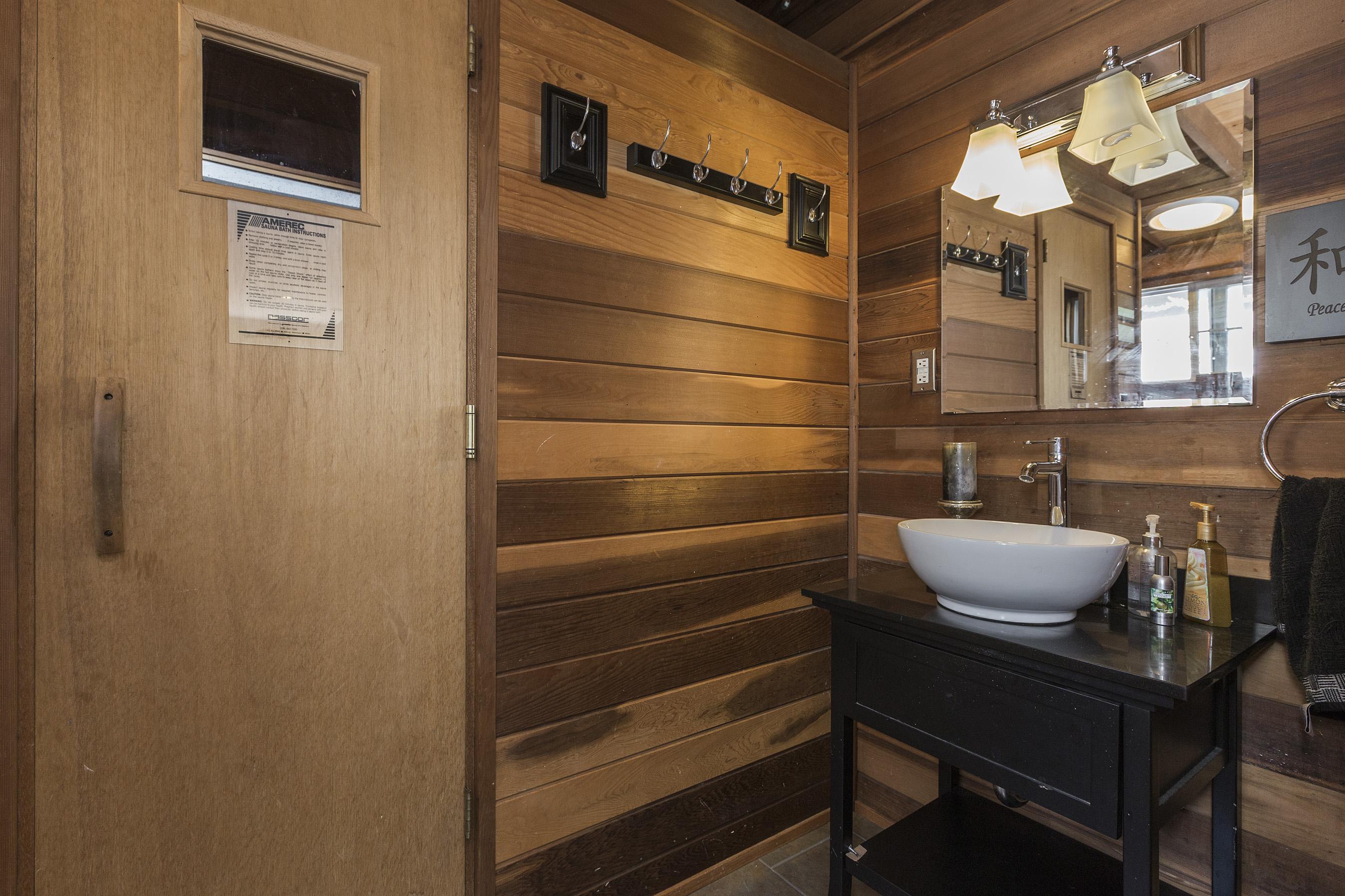16-2704Roosevelt-sauna-high-res